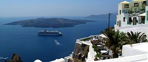 300px-Santorini-panorama-with-cruise