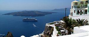 300px-Santorini-panorama-with-cruise